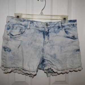 Justice Bleached shorts with lace